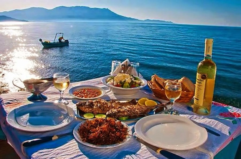 Top 10 things to do in kefalonia footsteps on the for Apollon greek and european cuisine