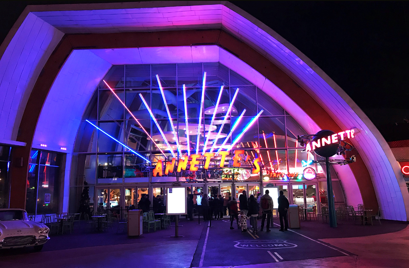 dinner option, outside annettes diner, disney village, how to eat vegan at disneyland paris