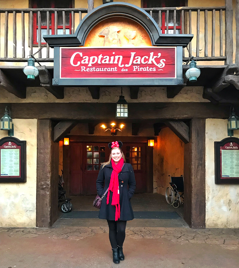 dinner option, outside captain jacks restaurant des pirates, adventure land, how to eat vegan at disneyland paris