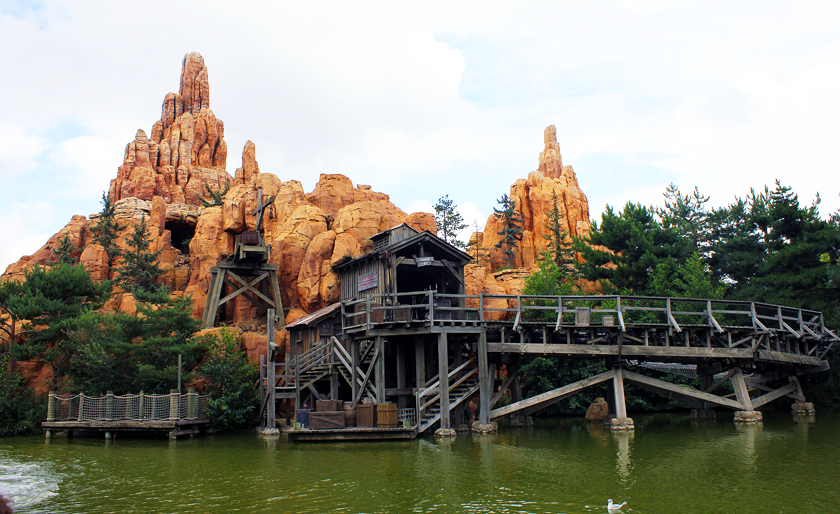 Thunder Mountain ride at Disneyland Paris